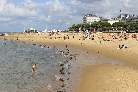 seafront in central Arcachon